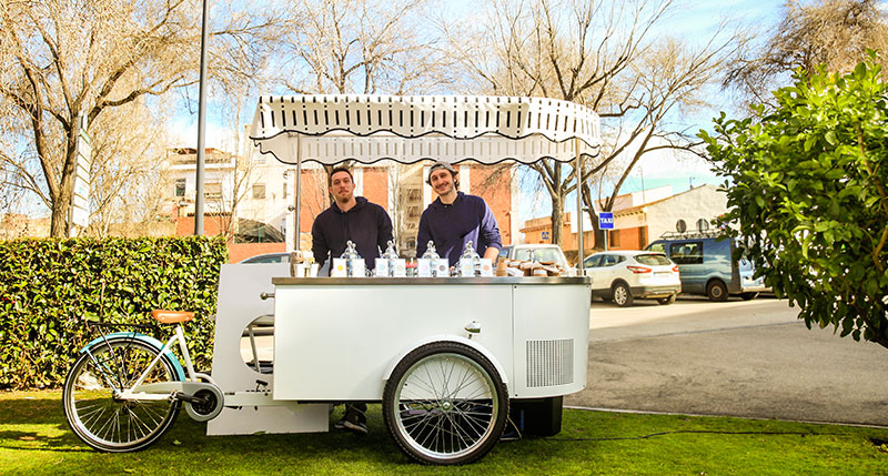 Set Up A Novelty Food Or Beverage Stand At Your Wedding.
